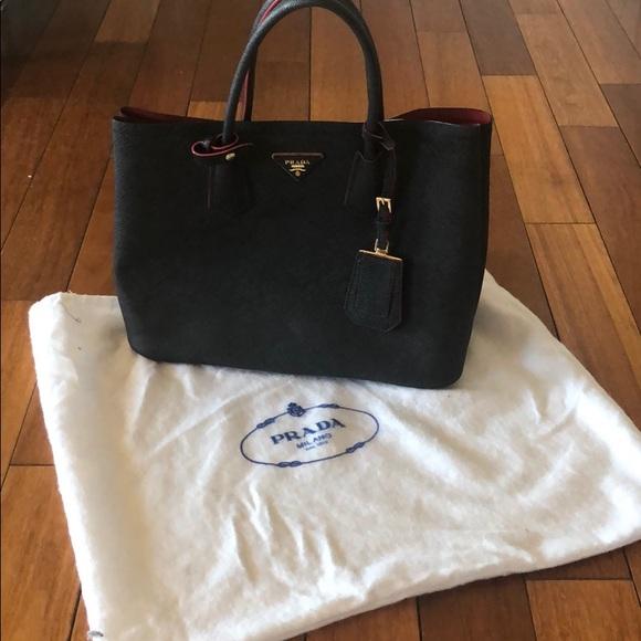 Handbags - Black tote with red inside Prada 0592c03255566